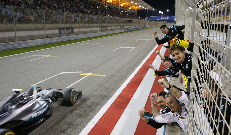 Ontdek de nieuwe autosport collection van Mercedes-Benz.