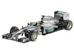 MERCEDES AMG PETRONAS Formula One(TM) Team W04 (2013), Coureur Lewis Hamilton
